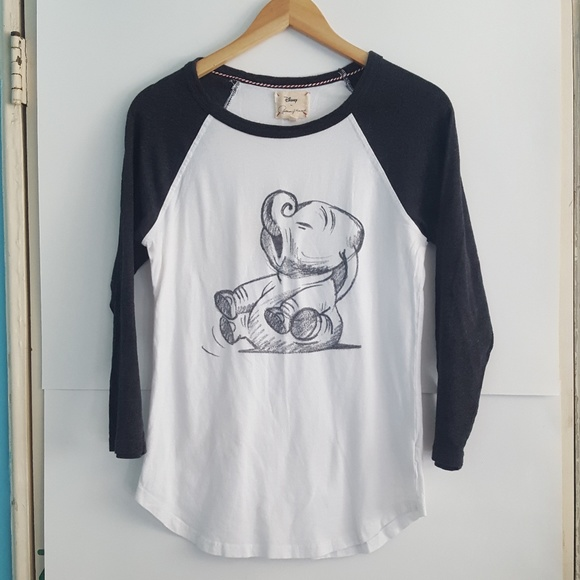 36570e96b098 Disney Tops - Disney Patterson J. Kincaid Dumbo Graphic T-shirt